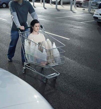 femei la supermarket