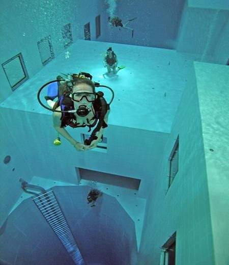 deepest swimming pool 03
