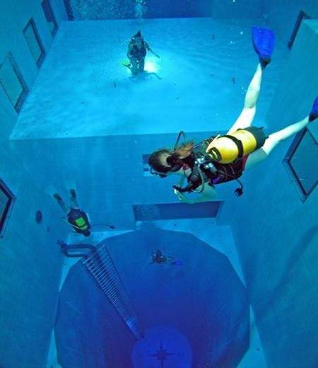 deepest swimming pool 04
