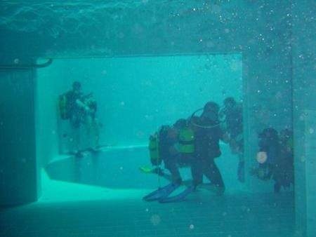 deepest swimming pool 08