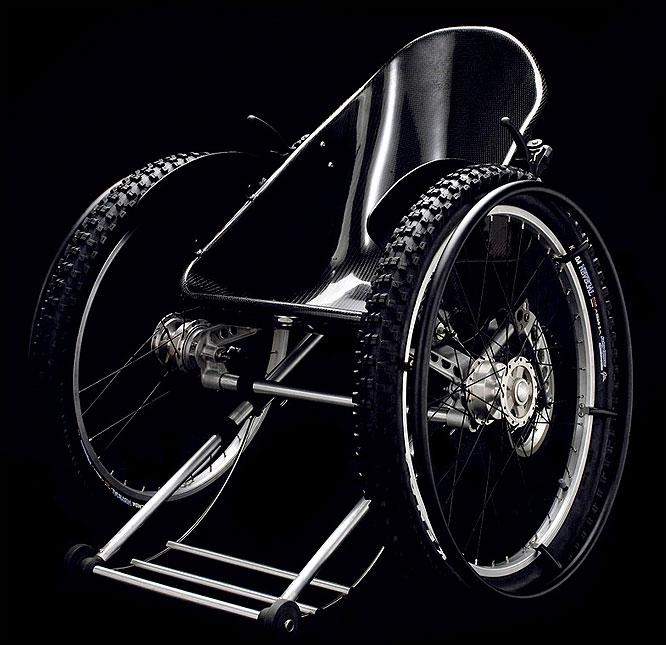 scaun cu rotile de teren