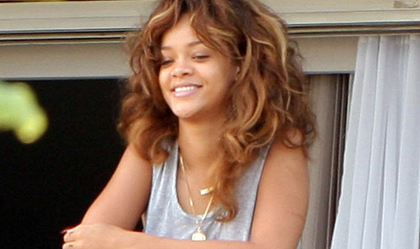 rihanna no makeup brazil