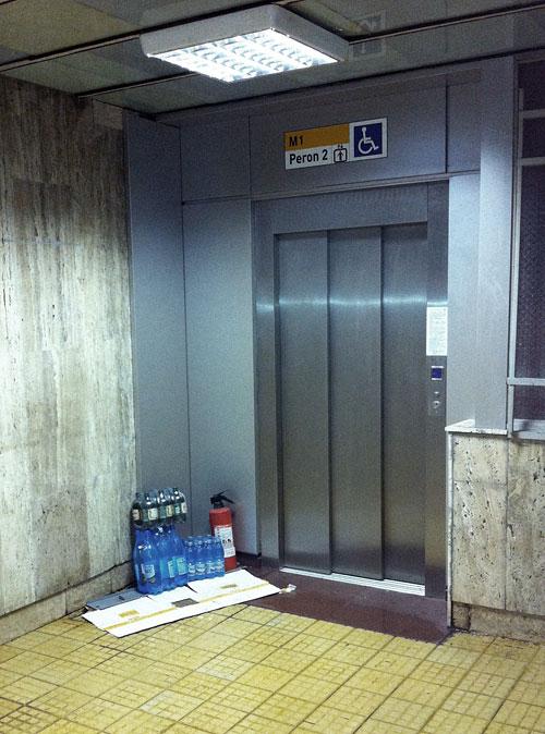lift metrou bucuresti