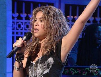 Shakira live SNL 12-10-2005